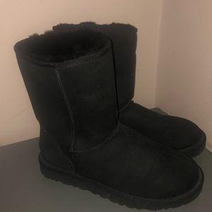 Ugg 5825 classic short black boots excellent sz 10